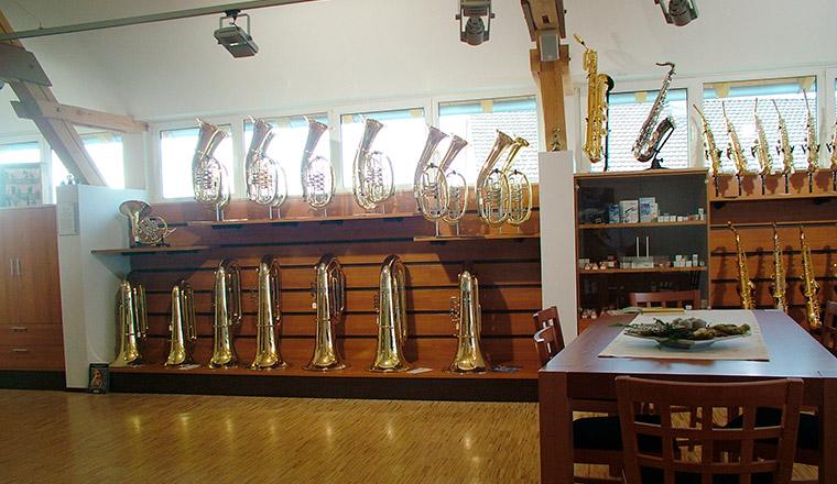 Über 400 Blasinstrumente bei Straubing.